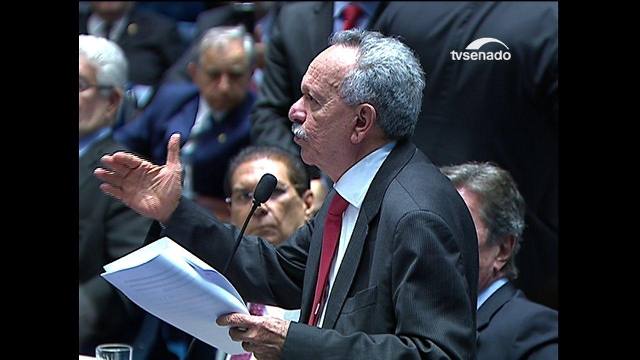 Benedito de Lira diz que é 'uma incoerência' dizer que lei ordinária revoga Constituição