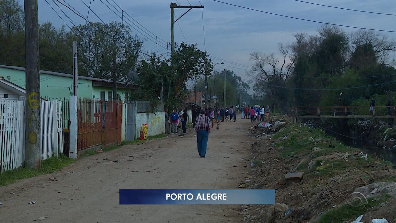 Homens abrem fogo e matam quatro pessoas no bairro Sarandi, em Porto Alegre