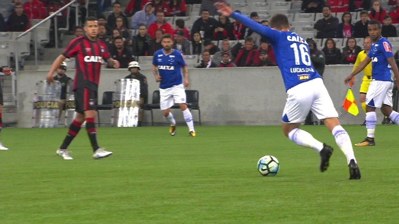 Melhores momentos de Atlético-PR 0 x 2 Cruzeiro pela 13ª rodada do Campeonato Brasileiro