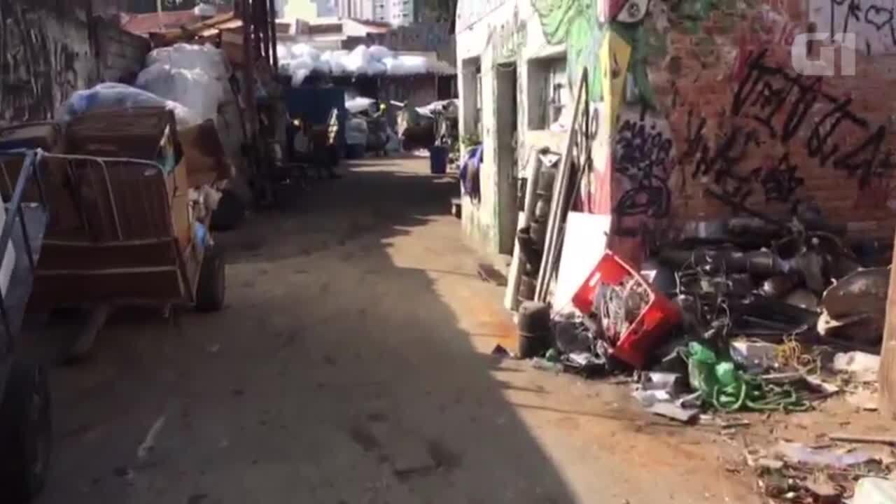 Carroças de Ricardo, carroceiro morto pela PM, são levadas à depósito