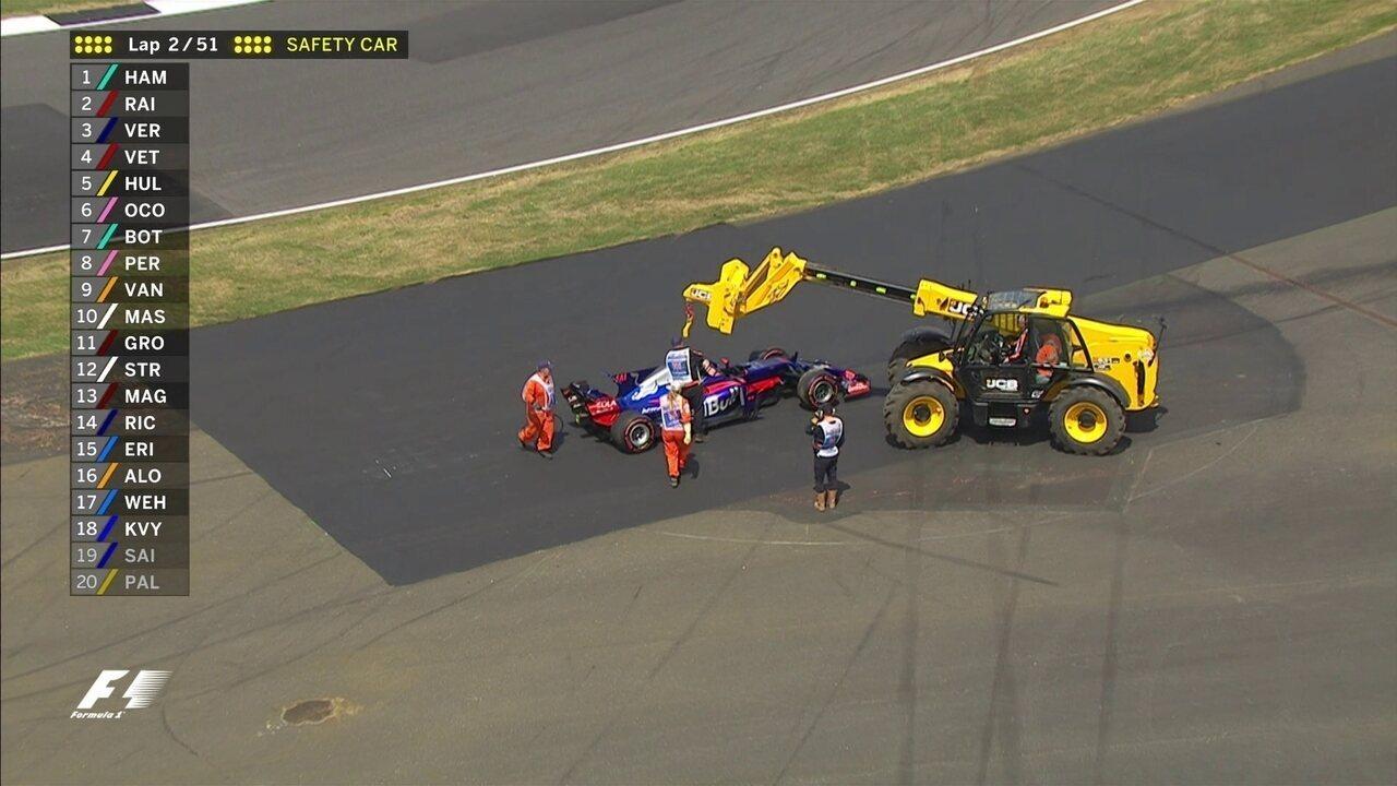 Kvyat e Sainz se tocam na volta de apresentação e estão fora do GP de Silvestone