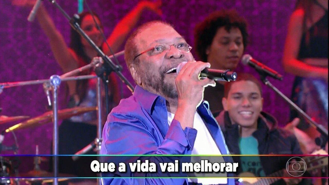 Martinho da Vila interpreta 'Canta Canta Minha Gente'