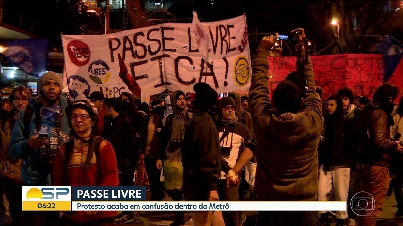 Estudantes protestam em SP contra redução de viagens no Passe Livre