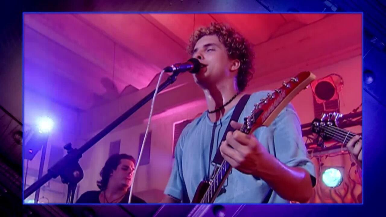 Thiago Fragoso faz aula de canto desde criança e já foi vocalista de banda por cinco anos