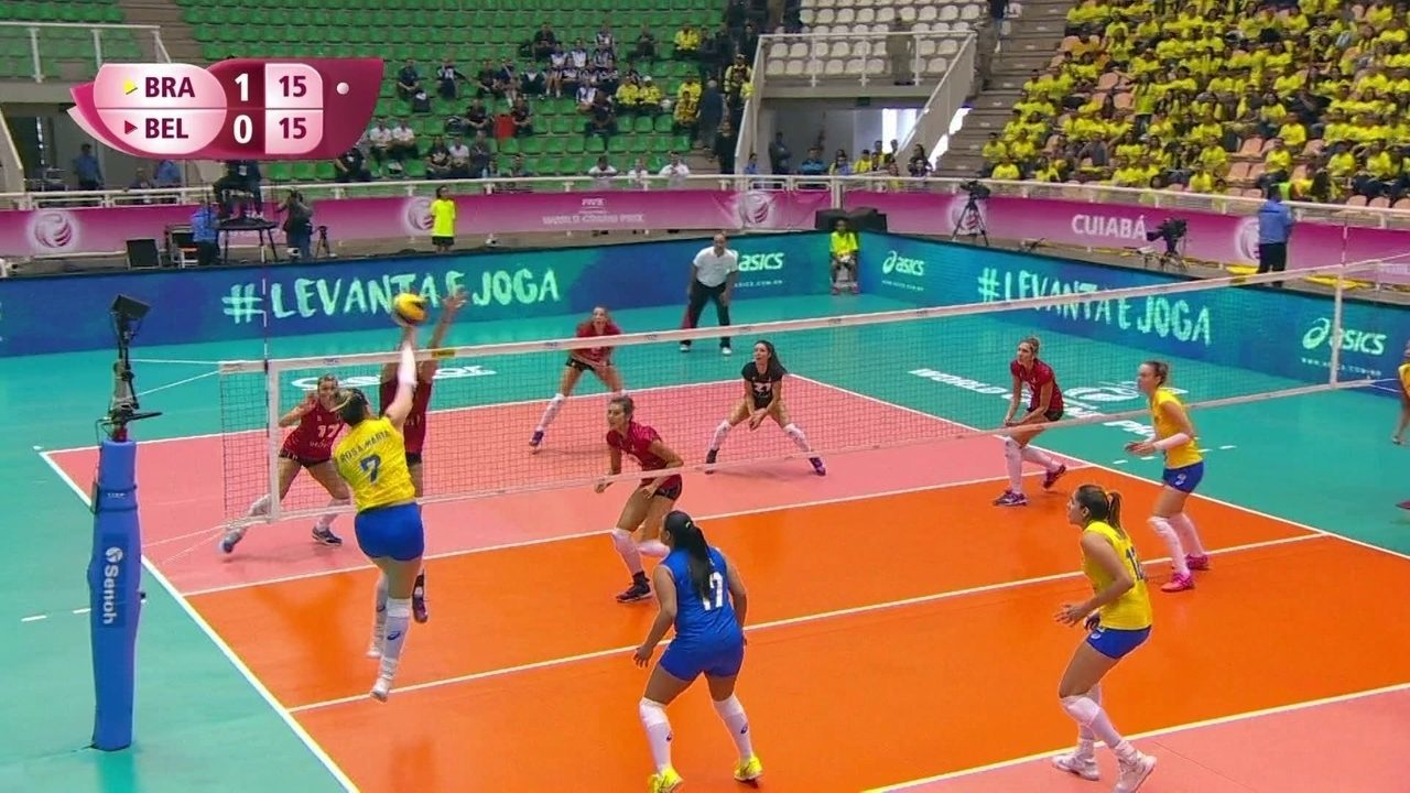 2º set: Após rali, Rosamaria explora o bloqueio e pontua para o Brasil: 16 x 15