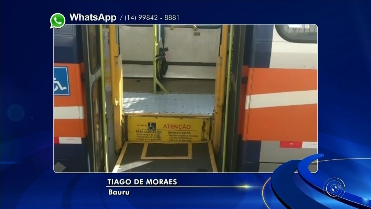 Passageiros são retirados de ônibus após quebra da plataforma para cadeirantes em Bauru