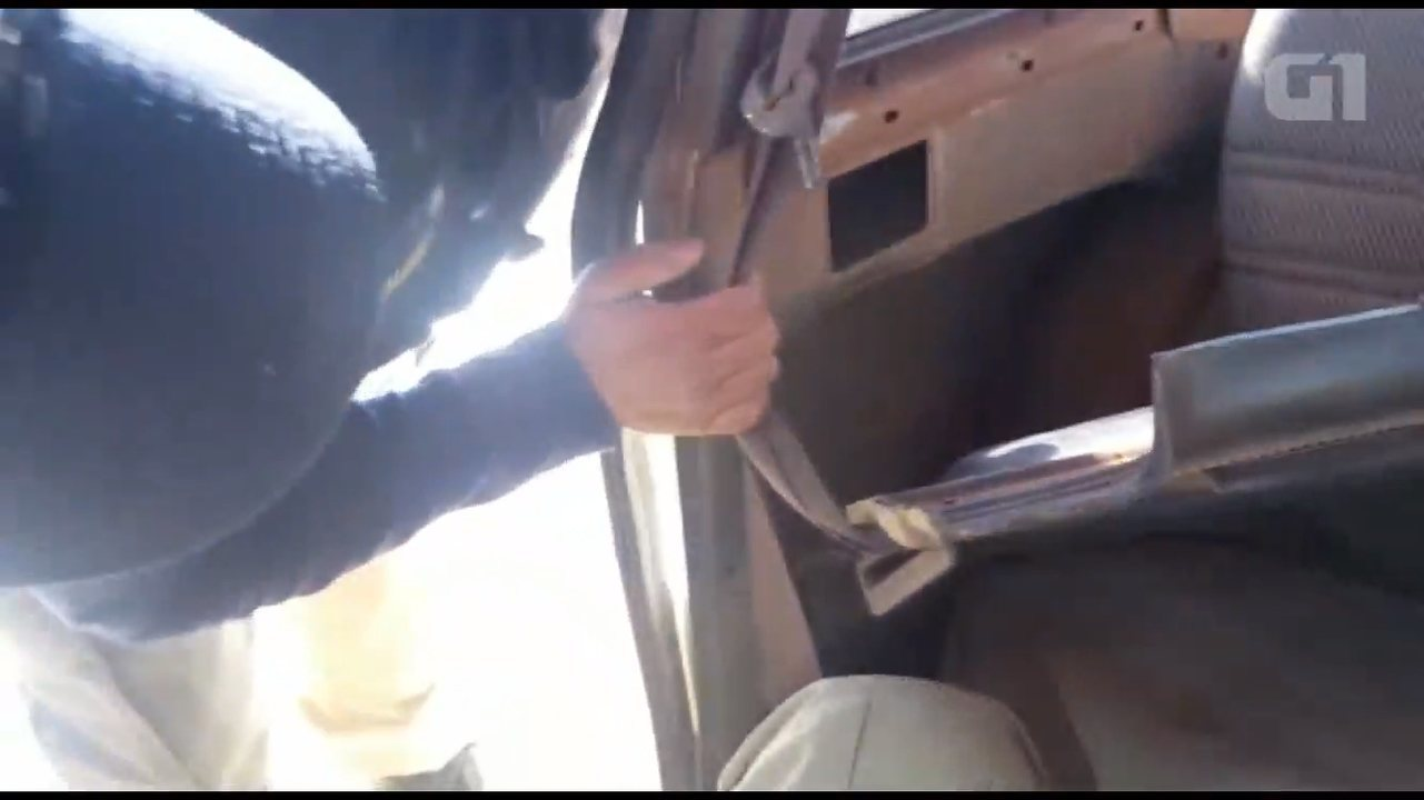 Motorista é preso com 19 quilos de crack escondidos em forro de carro