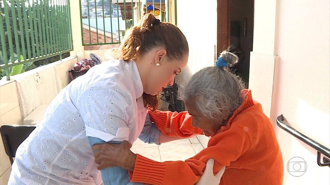 Cresce a procura por cursos de cuidadores de idosos em Belo Horizonte