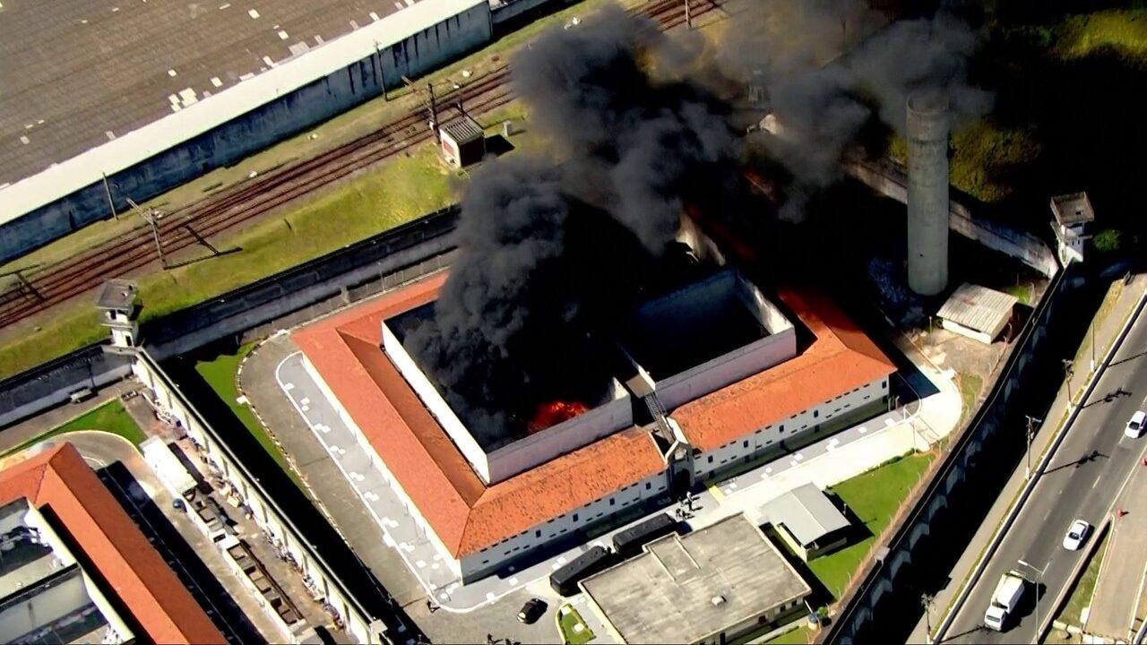 Incêndio no CDP Pinheiros