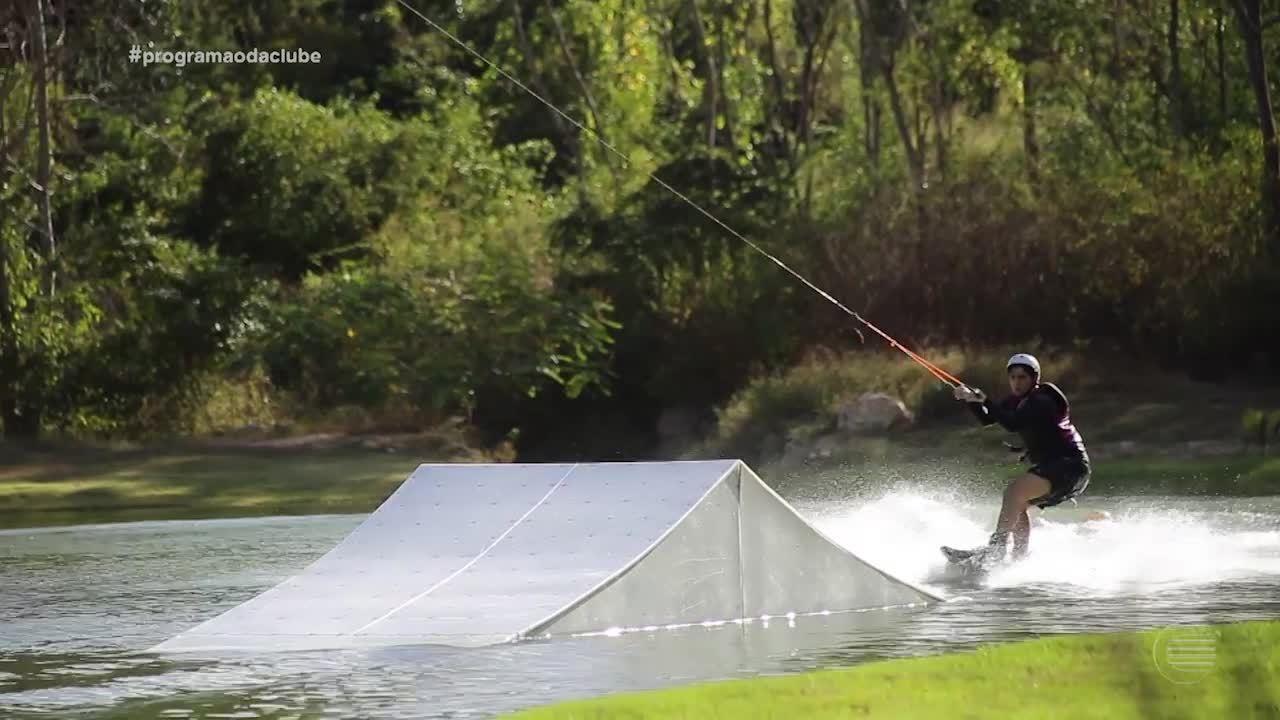 Esporte de Verão: Teresinenses arriscam manobras no wakeboard