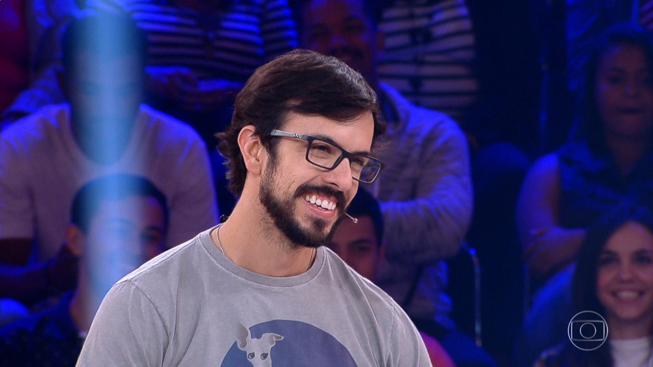 João Martins desiste e para com  R$ 15 mil