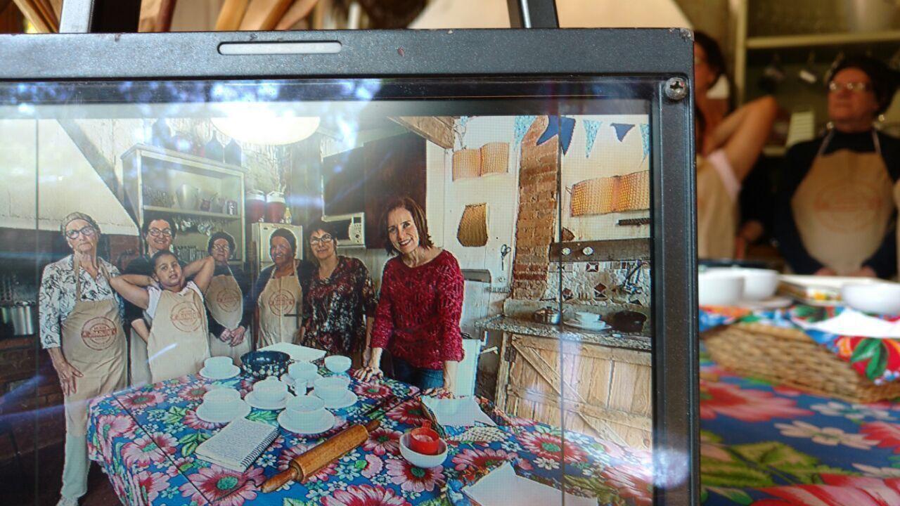 A repórter Edlaine Garcia conhece a ONG Assuma, em Campinas (SP)