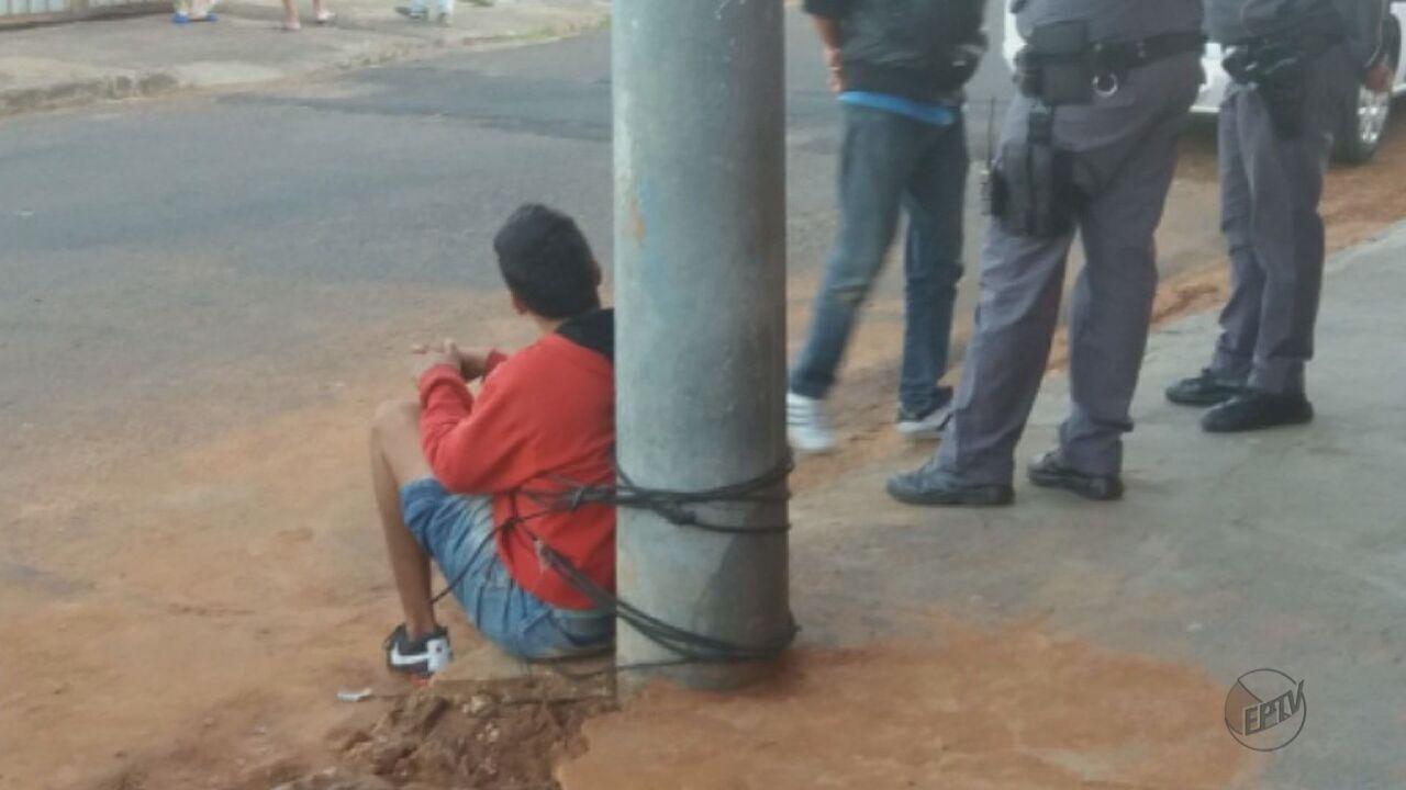 Briga em família termina com jovem amarrado a poste em São Carlos