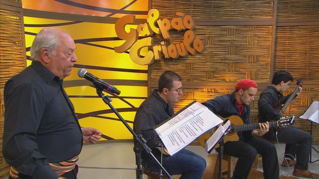 Marco Aurélio Vasconcellos canta 'Notícias da Terra Brasilis'