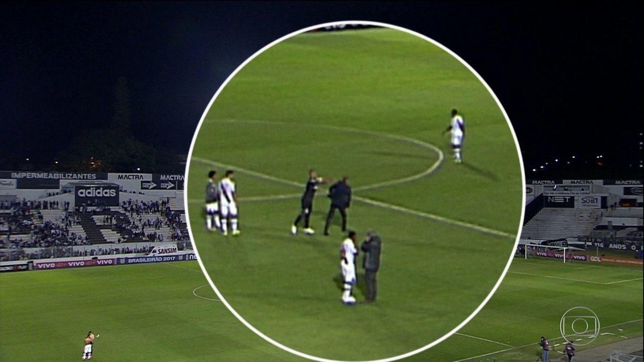 Confusão entre Rodrigo e Milton Mendes marca jogo entre Vasco e Ponte Preta