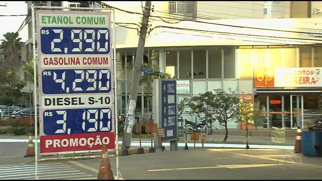 1b4cfa693c Preço da gasolina volta a subir e chega a R  4