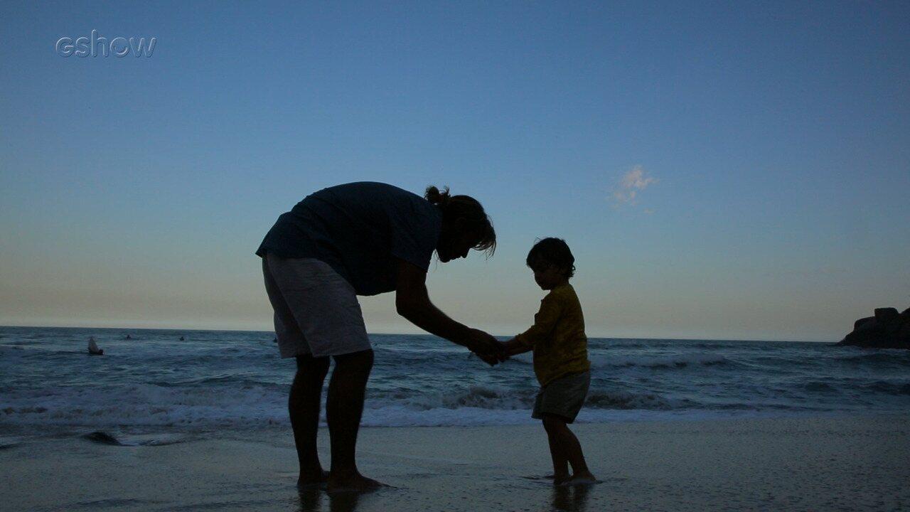 Felipe Simas se diverte com os filhos em ensaio do Dia dos Pais para o Gshow