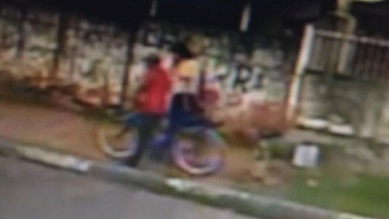 Vídeo mostra adolescente ao lado de homem desconhecido antes de desaparecer em Roraima; imagens são da segunda, quando a menina sumiu