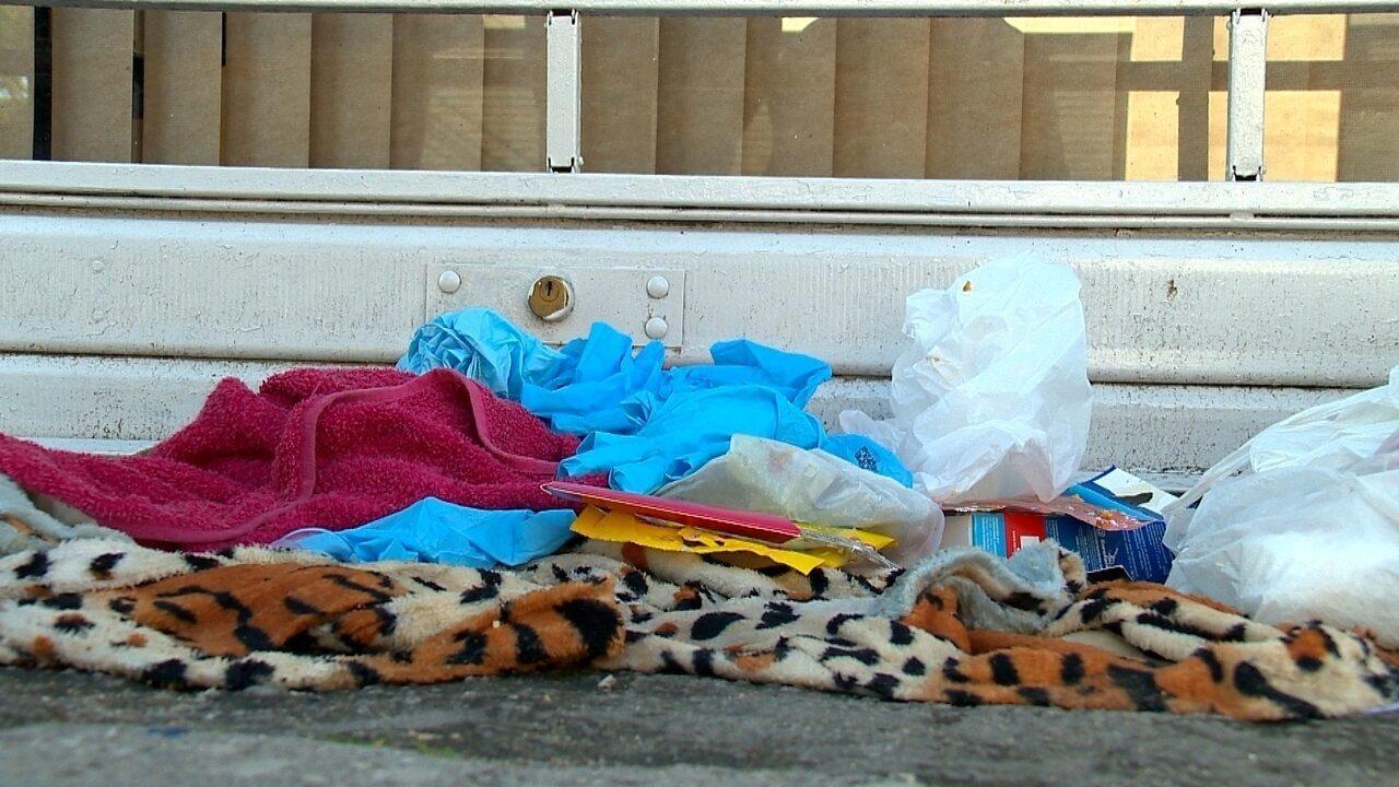 Corpo de bebê é encontrado dentro de lixeira em Pelotas