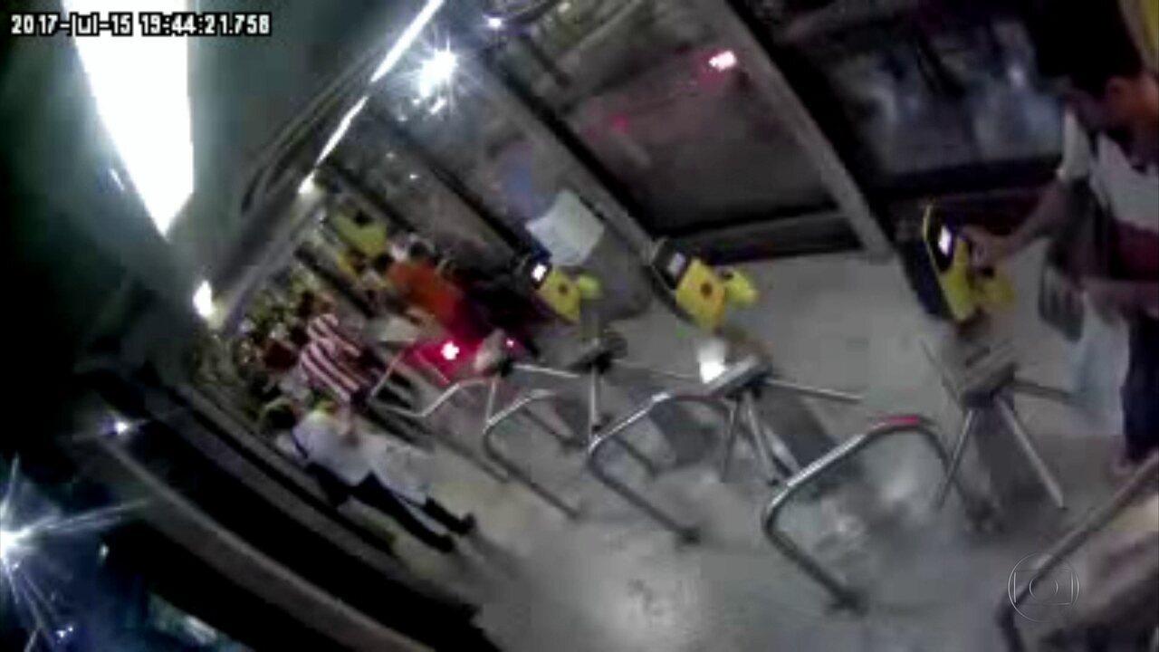 De cada 100 passageiros do BRT, 12 burlam a catraca, segundo Urbana-PE
