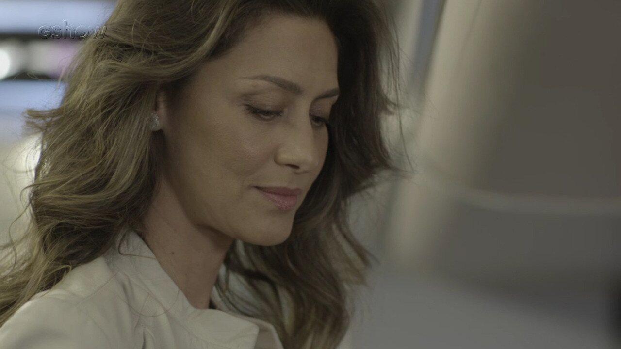 Resumo de 15/8 - Joyce toma o lugar de Irene ao lado de Eugênio no avião
