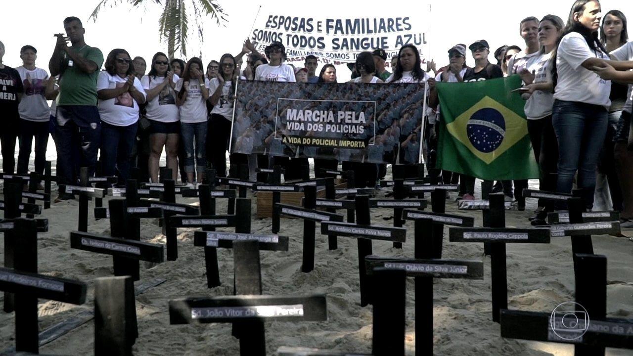 Grupo de esposas de policiais mortos reúne mais de 2 mil pessoas