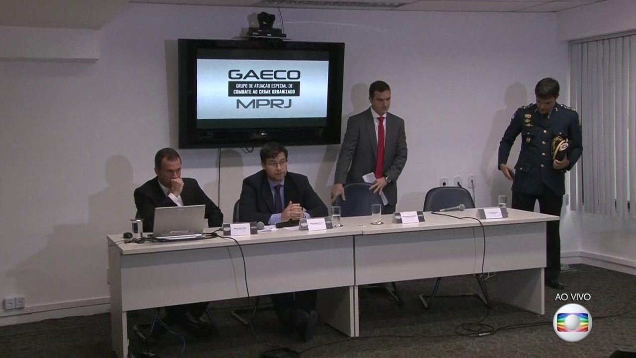 Agentes da secretaria de segurança, PM e MP realizam nova fase da operação Carcinoma