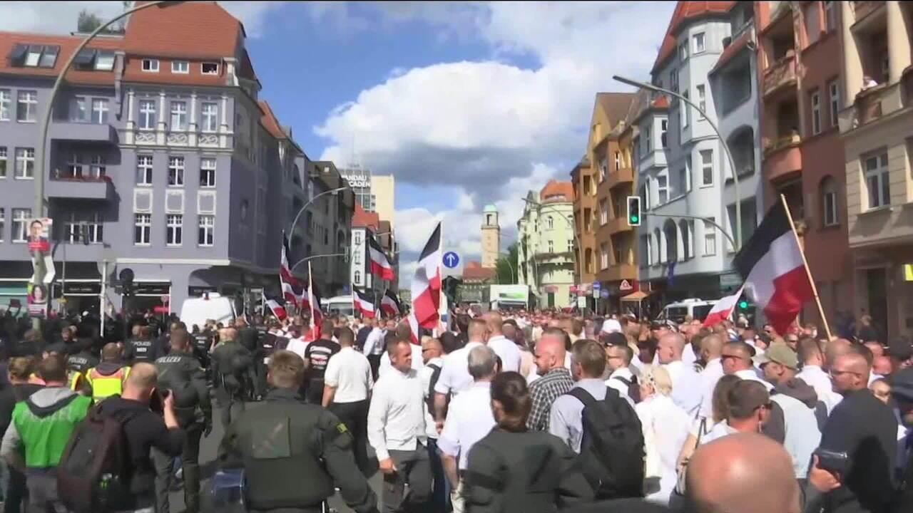 Manifestantes de extrema-direita fazem marcha em Berlim