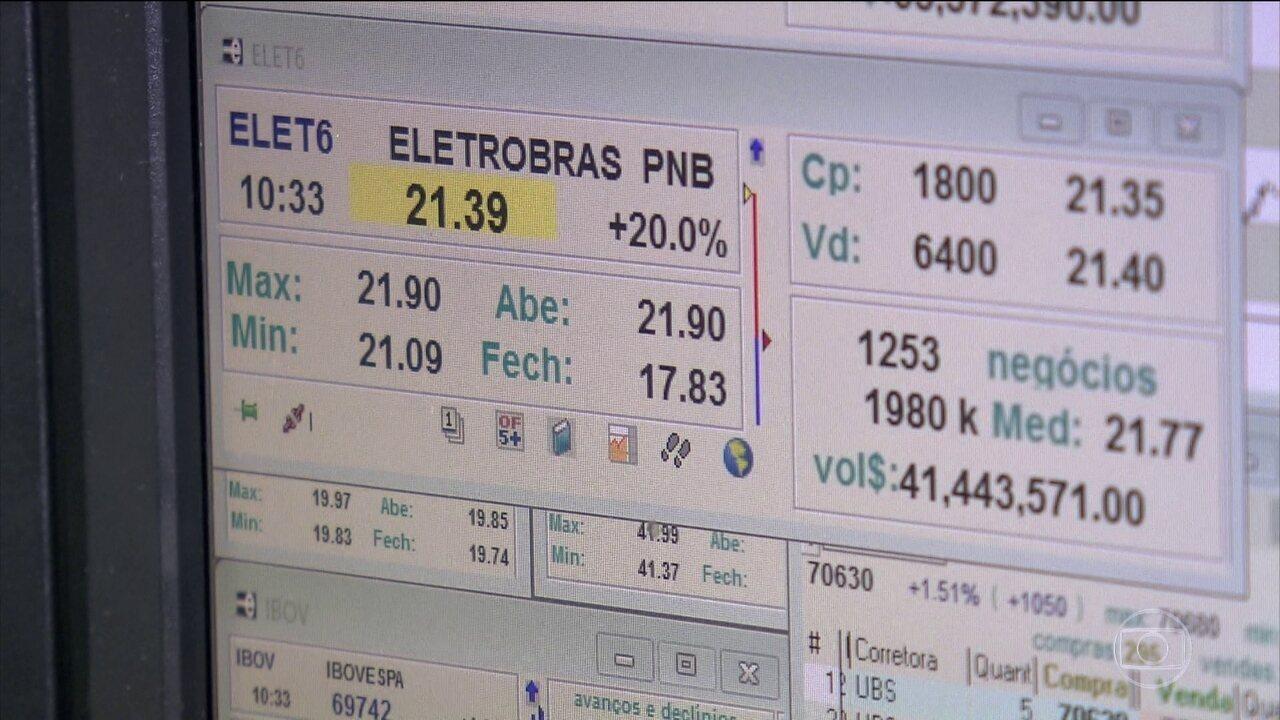 Com privatização, ações da Eletrobras têm alta de 33%