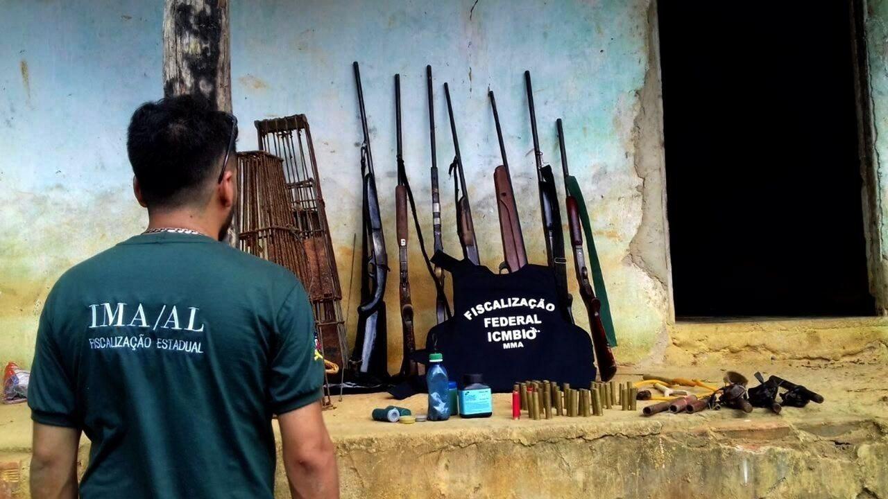 Fiscais flagram armas e armadilhas para captura de animais na Estação Ecológica de Murici