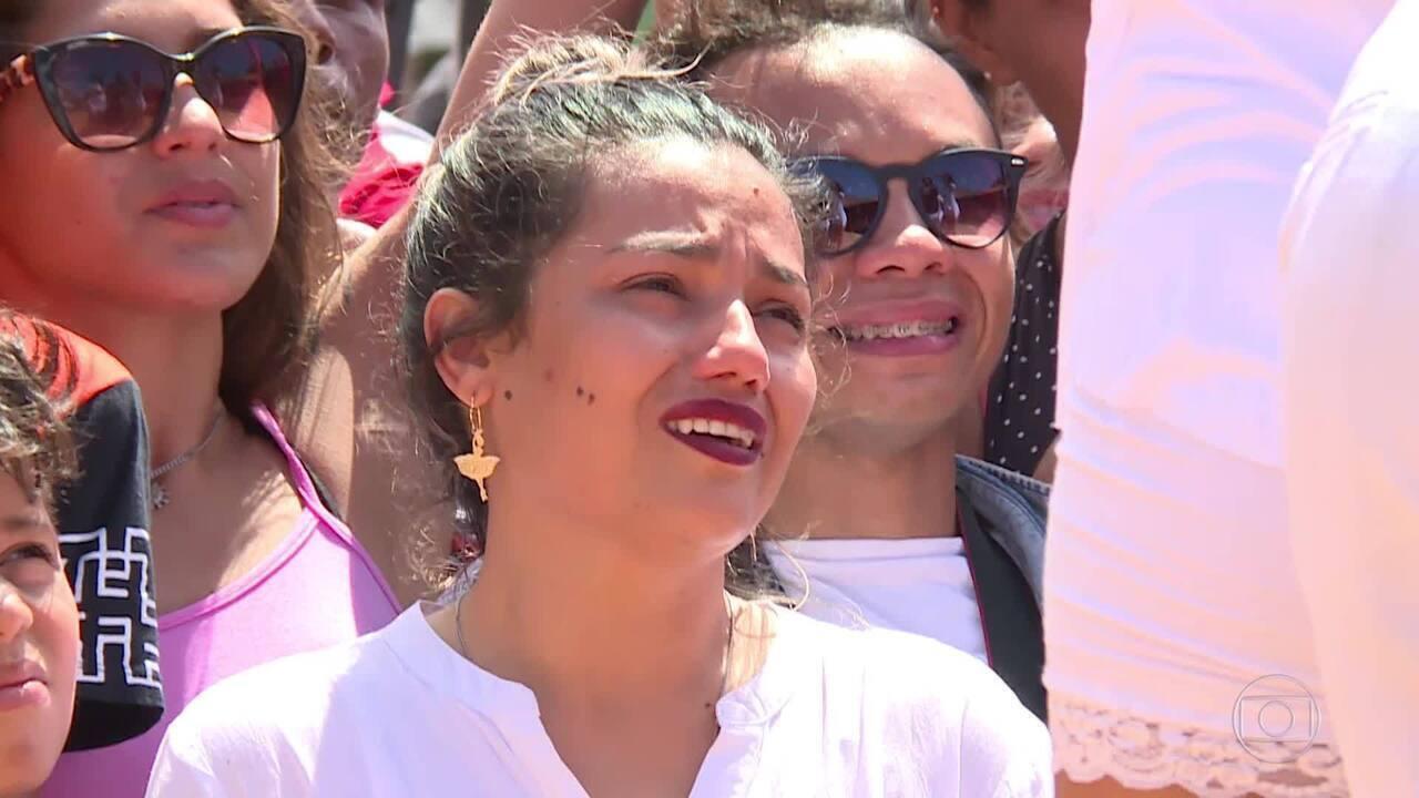 Grupo de dança de Katiana encerra o programa com número emocionante