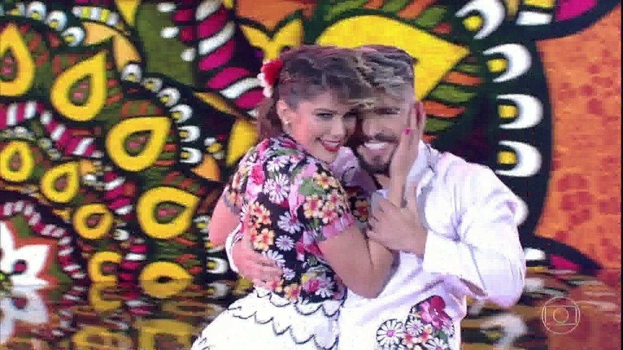 Isabella Santoni arrasa com Diego Maia no Dança dos Famosos