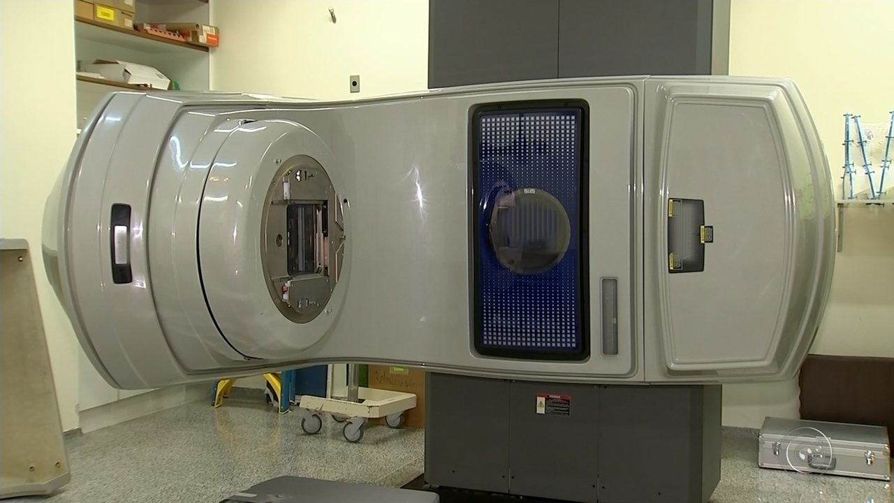 Pacientes de Marília denunciam espera de até seis meses para realização de radioterapia