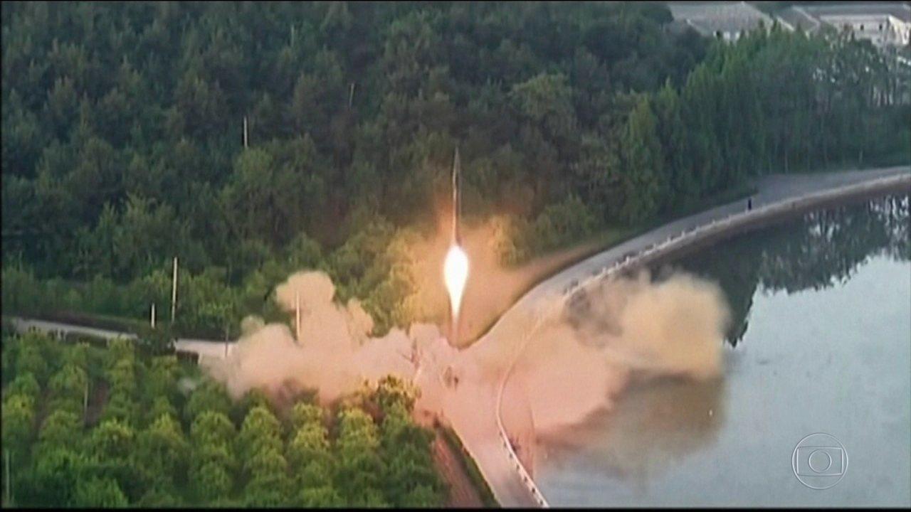 Míssil norte-coreano cruza o céu do Japão e provoca reações