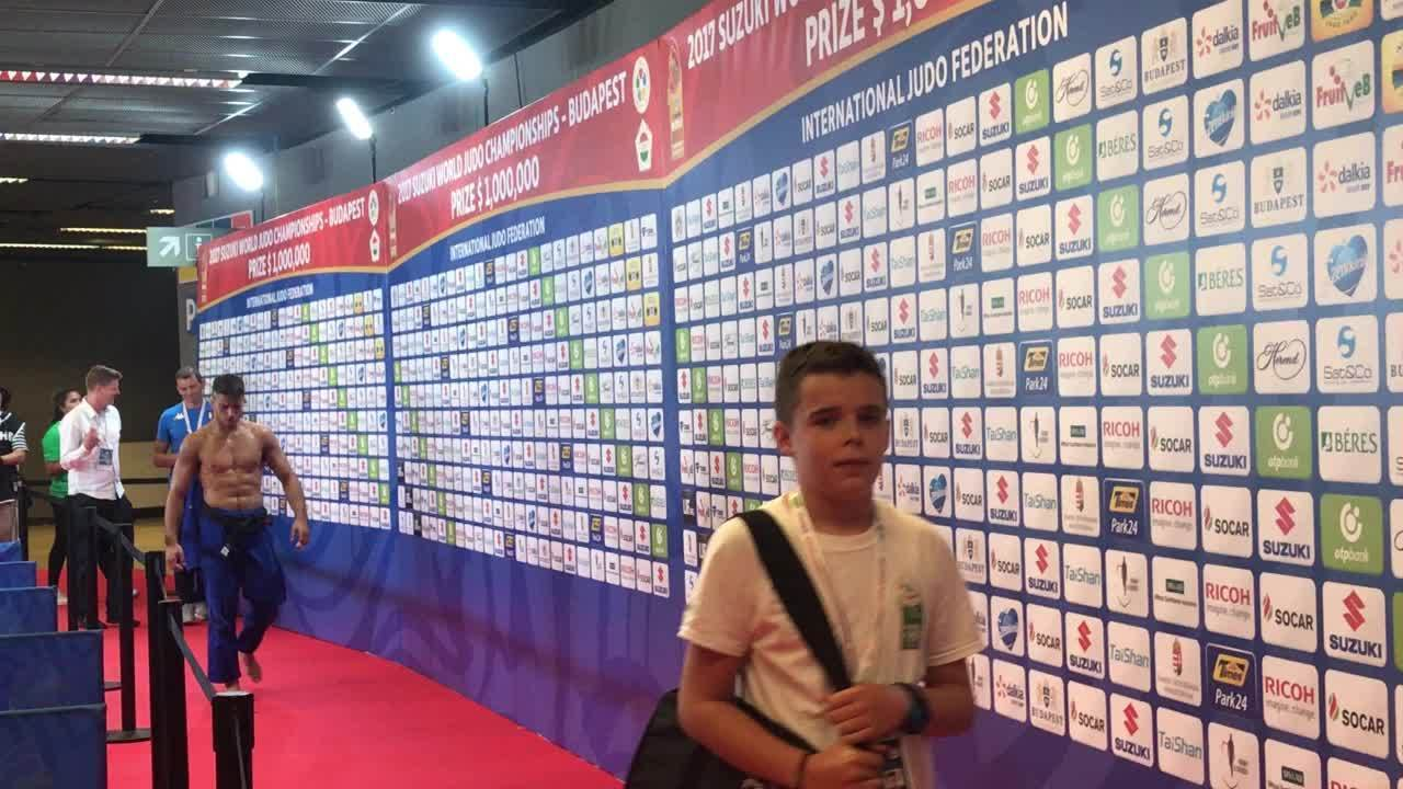 Basile, campeão olímpico no judô, perde no Mundial e se irrita na zona mista
