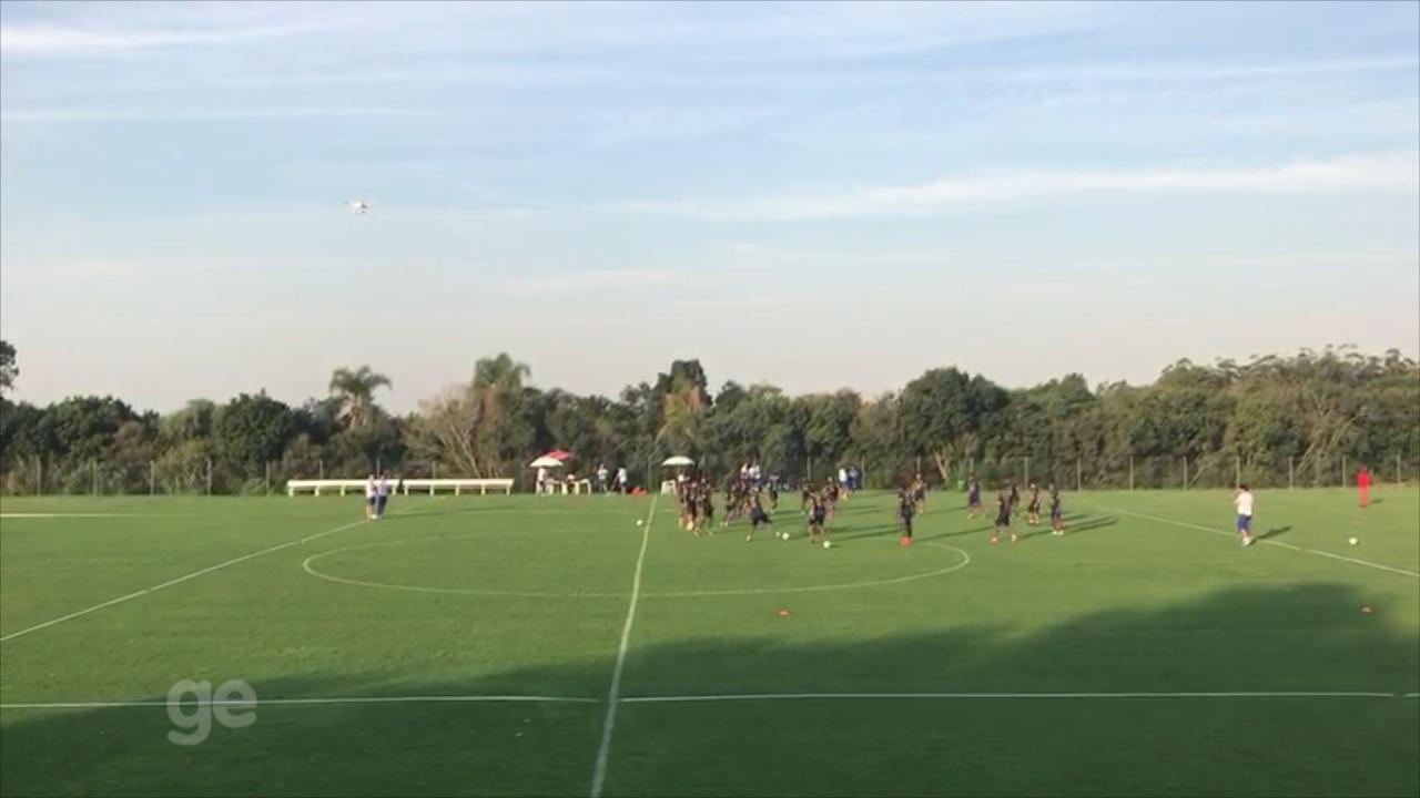 Seleção do Equador usa drone em treino realizado em Viamão