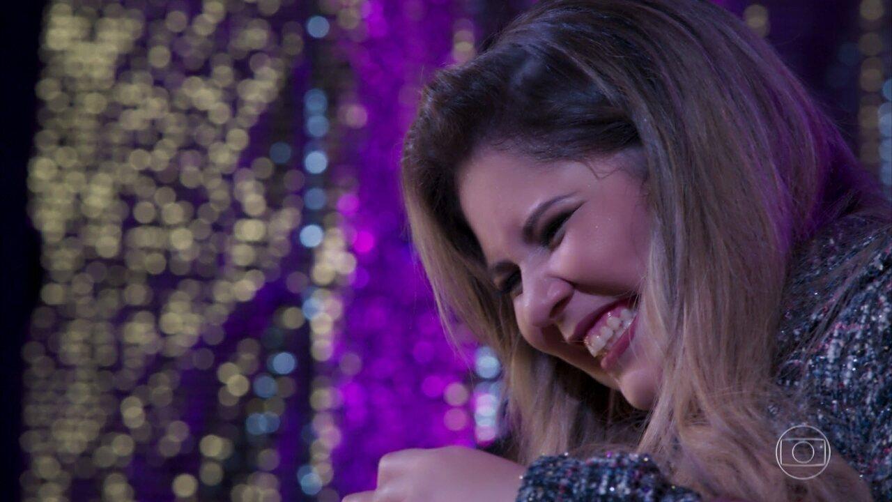 Marília Mendonça faz show e embala romance de Zeca e Jeiza