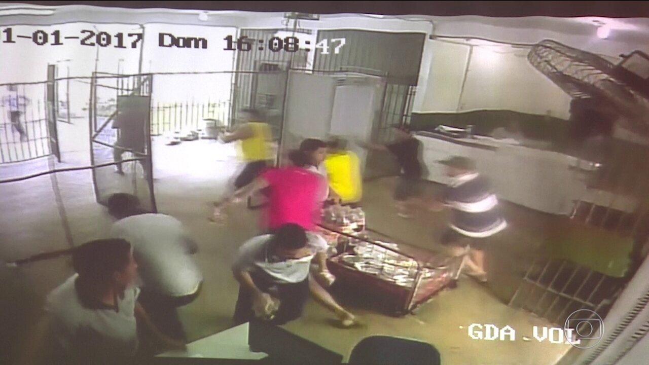 Polícia do Amazonas indicia 210 por massacre de 56 presos em cadeia