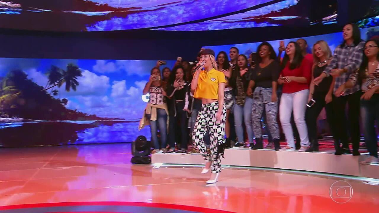 Claudia Leitte canta 'Largadinho'