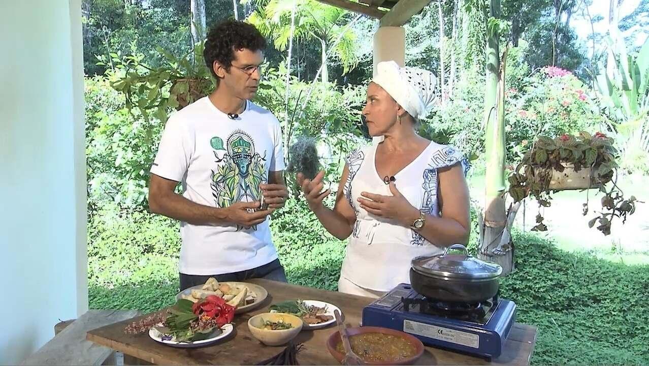 Chefe de cozinha Tereza Paim faz carne de fumeiro com cardamomo