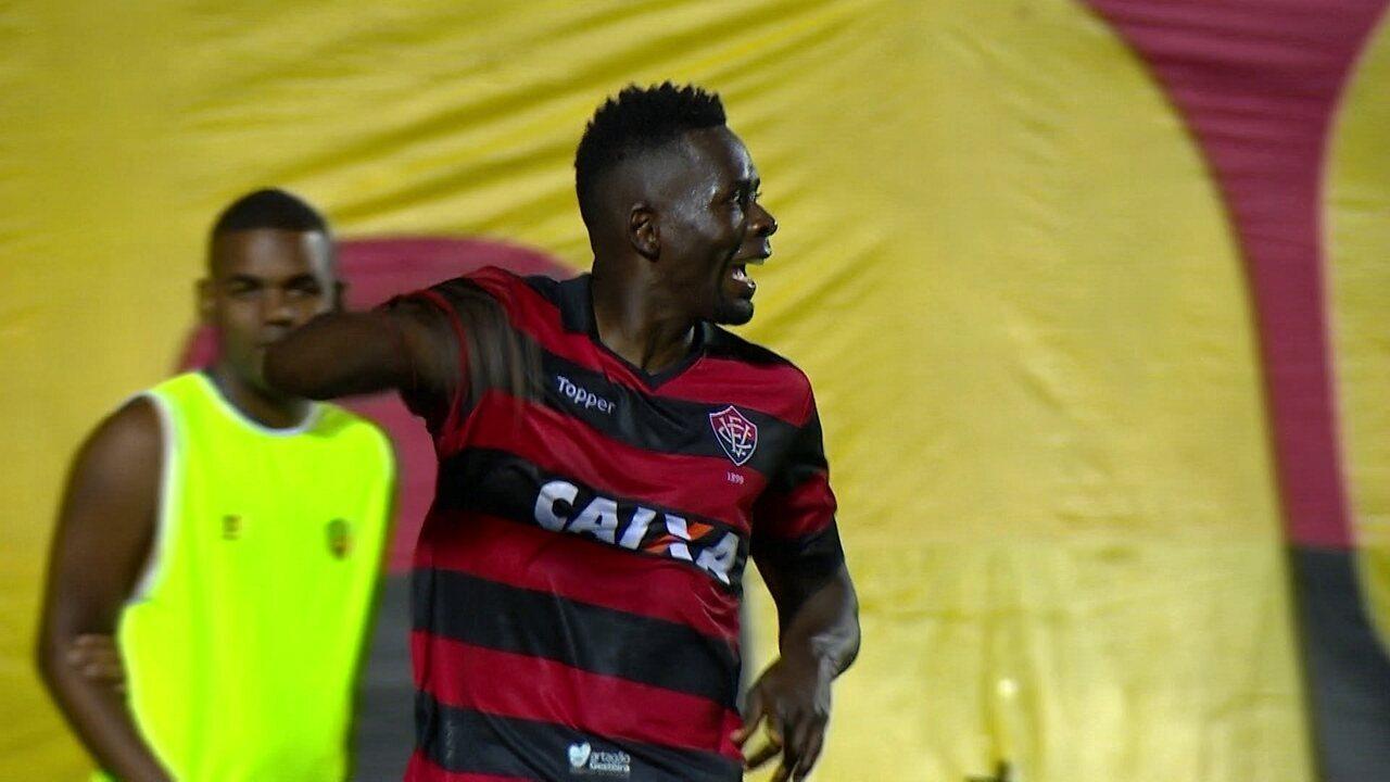 Gol do Vitória! Patric levanta na área e Kanu deixa tudo igual no Barradão, aos 48 do 2º