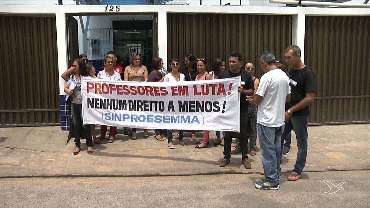 Professores da rede municipal continuam em greve em Santa Inês