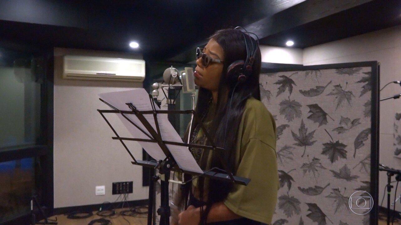 Ludmilla grava música de Misael no estúdio