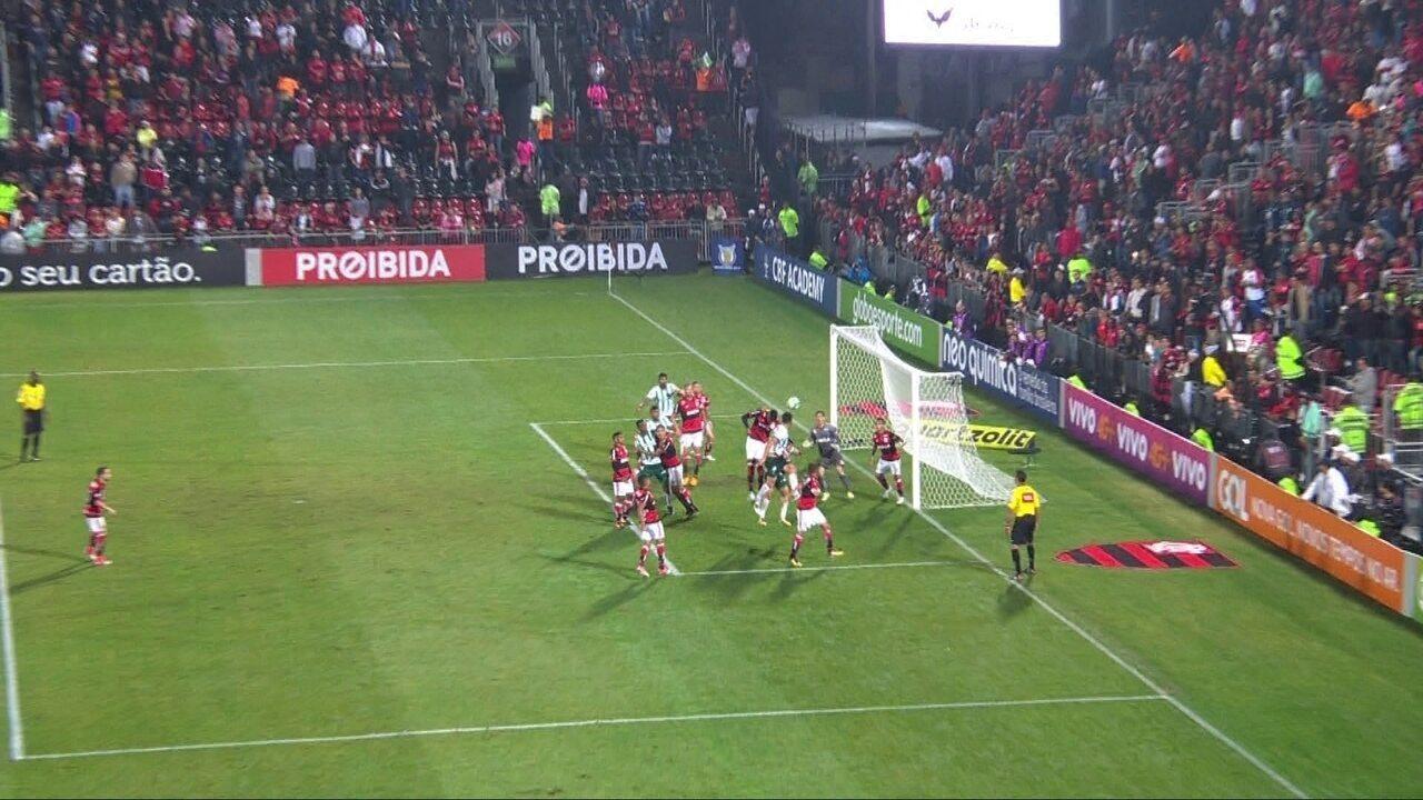 Confira os lances em que Thiago foi exigido contra o Palmeiras