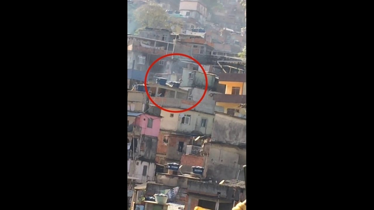 Vídeos mostram intenso tiroteio na Rocinha