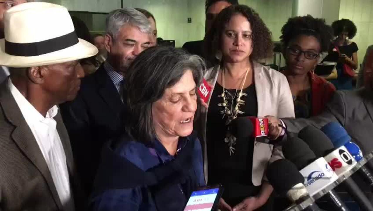 Após criticar governo, Maia janta com Renan e gera alerta no Planalto
