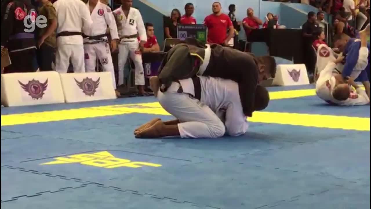 Resultado de imagem para Xô, preconceito! Atletas com deficiência mostram desenvoltura no jiu-jítsu
