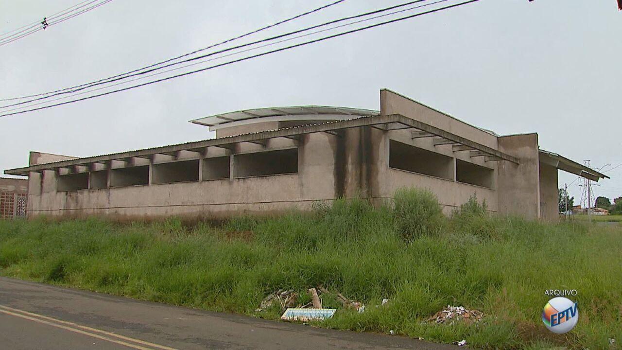 Mais de 2 milhões são gastos em obras públicas que estão abandonadas em São Carlos