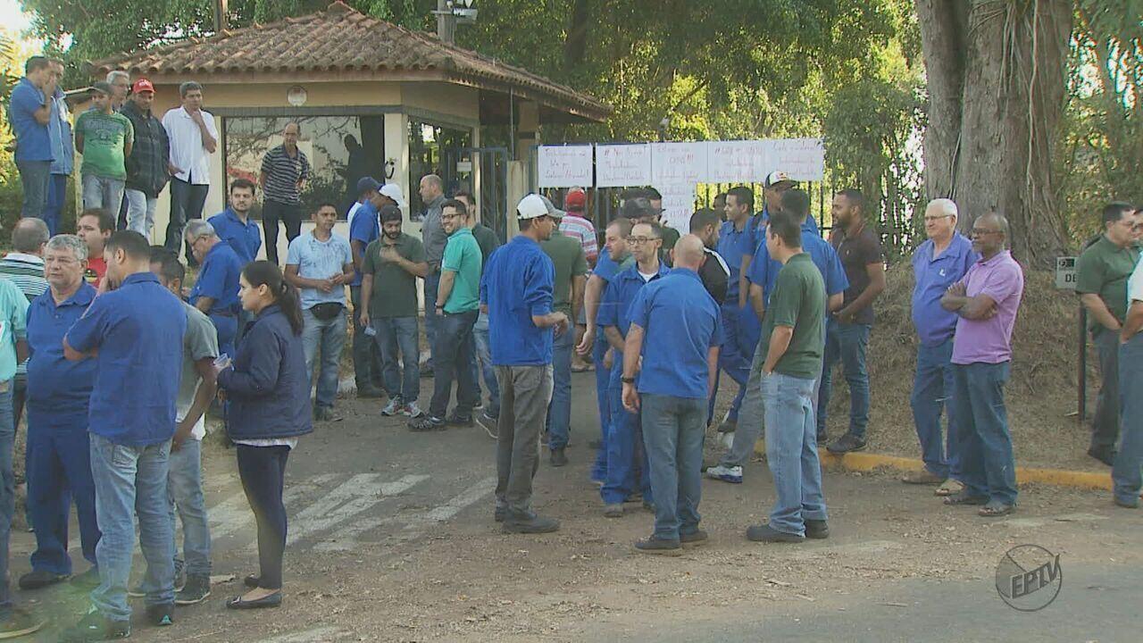 Metalúrgica atrasa salários 2 meses e cerca de 190 funcionários fazem greve em Araras