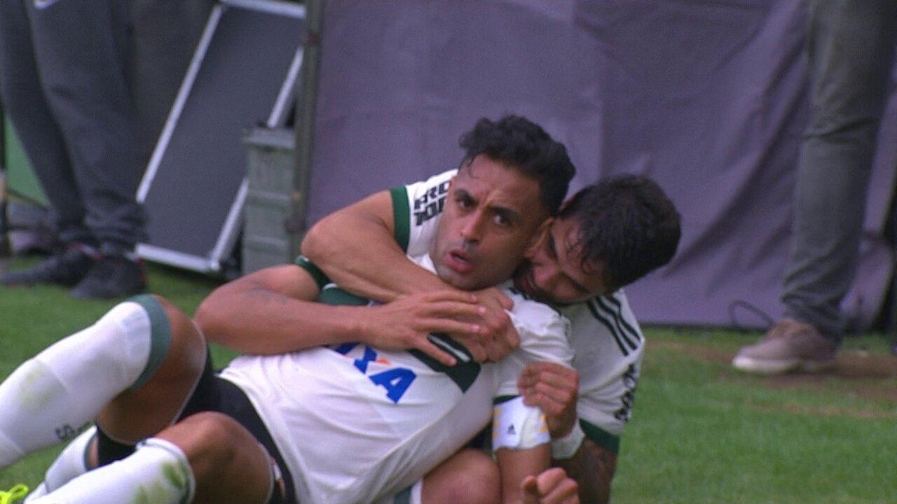 Botafogo voltou a sofrer gol de bola parada e chuveirinho na área